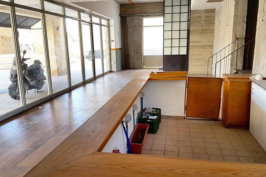 """חלל 165 מ""""ר - בית קפה מסעדה בשוק הפשפשים"""