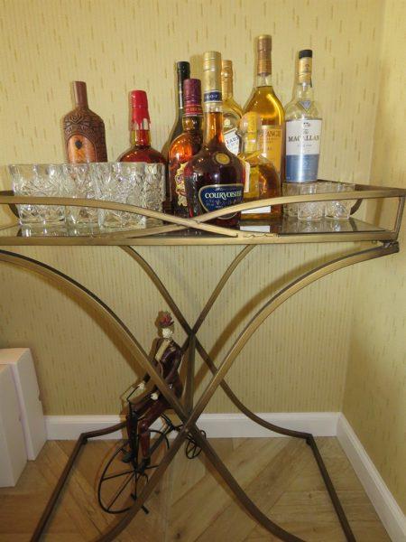 שולחן אלכוהול