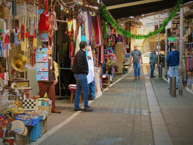חנות מדהימה בשוק הפשפשים