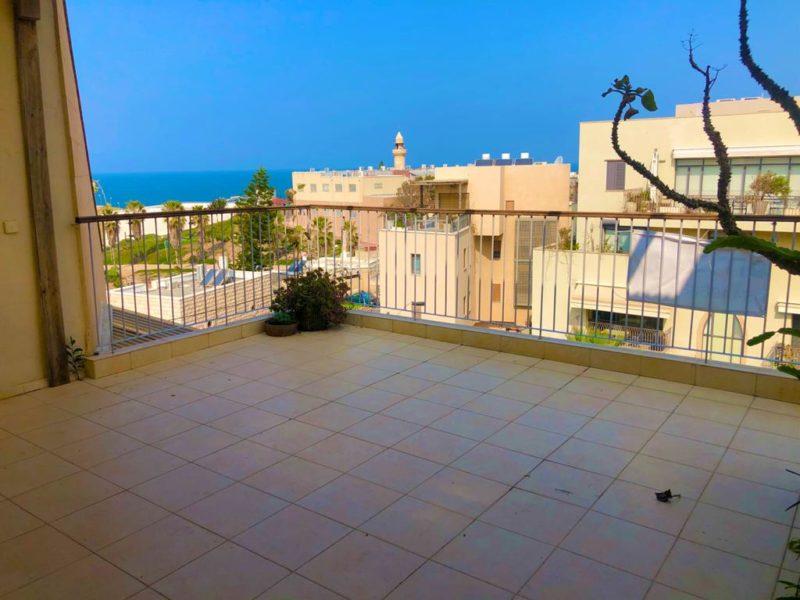 בשכונת עג'מי הקסומה