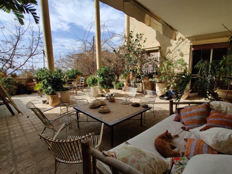 דירת גן - נוף לים בעג'מי